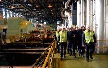 Премиерот Заев во посета на РЕК Битола: Набавката на нови електростатски филтри повеќекратно ќе го намали издувот на прашина од 100 милиграми на помалку од 20 милиграми